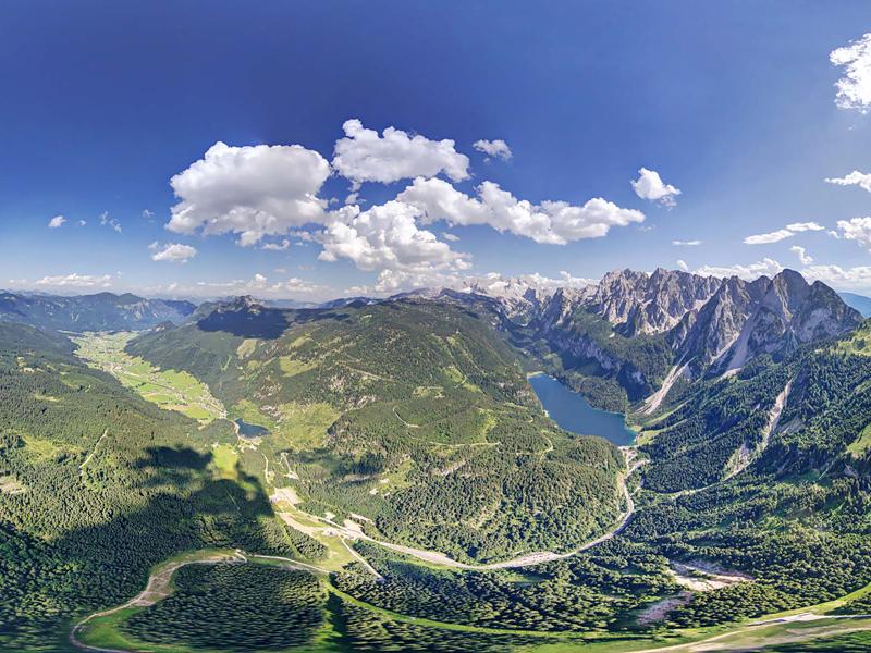 Gosauseen und das Hintertal von Gosau in wunderschönem Panorama